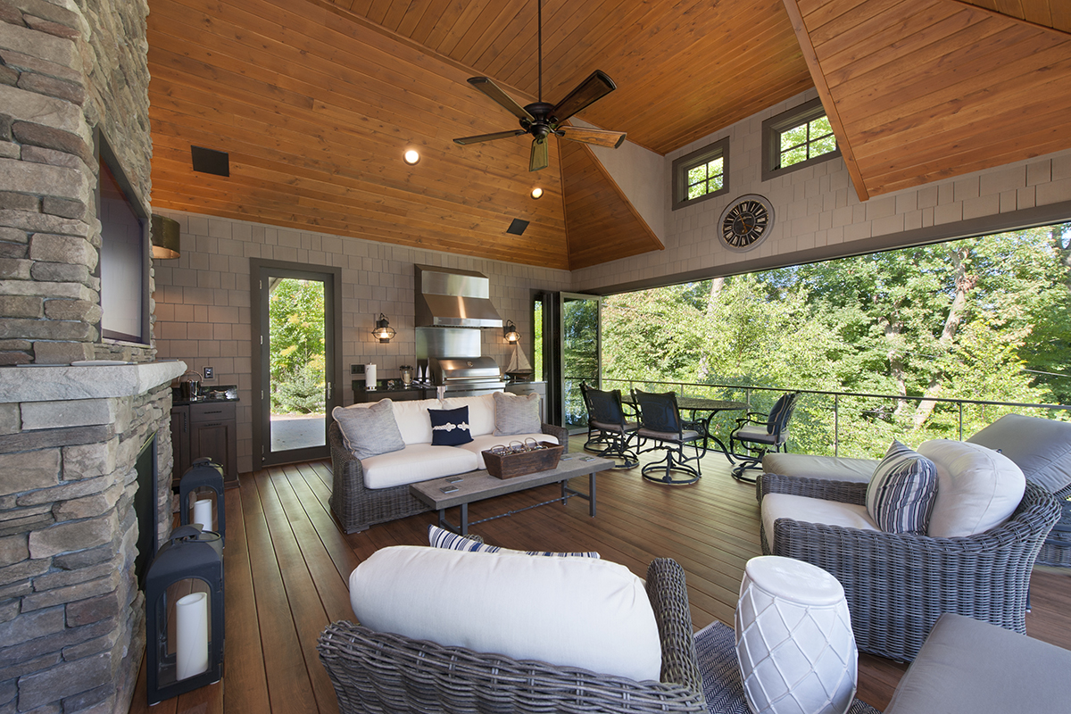 Folding window panels bring the outdoors in